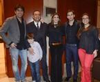 Galvão Bueno posa com os filhos e netos | Divulgação