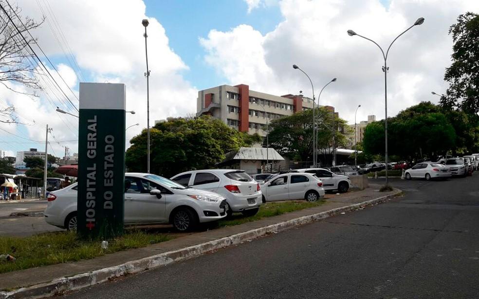 Mulher está internada no Hospital Geral do Estado, em Salvador (Foto: Juliana Cavalcante / TV Bahia)