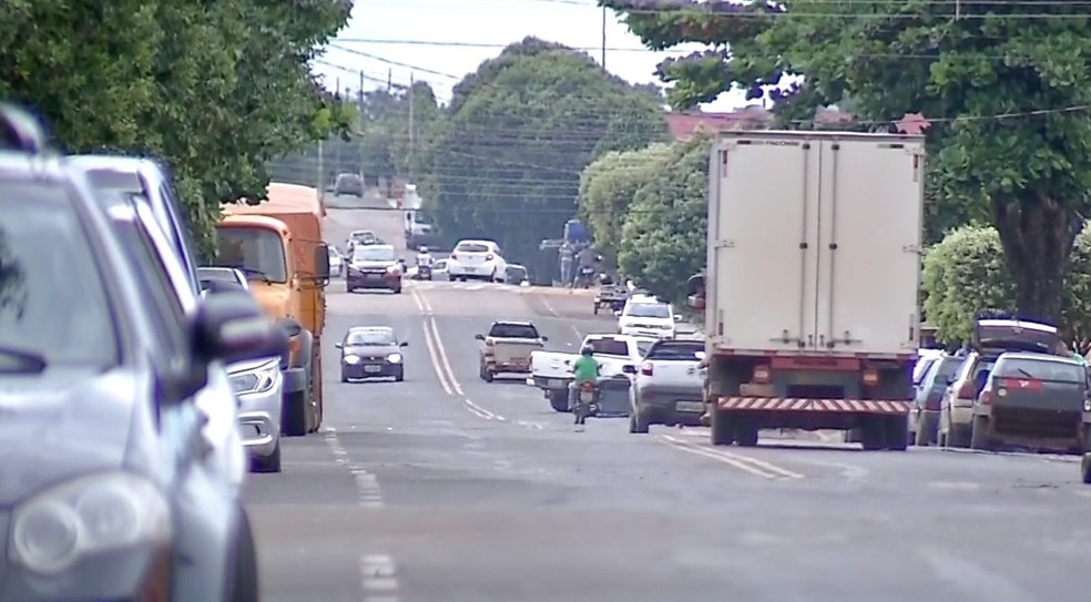 Outra reclamação dos moradores é a falta de uma rodoviária na cidade — Foto: TVCA/Reprodução