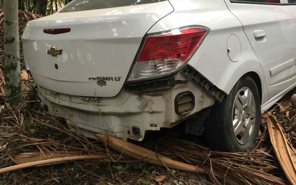 Acidente envolveu três carros (Foto: Olga Amaral/TV Santa Cruz)
