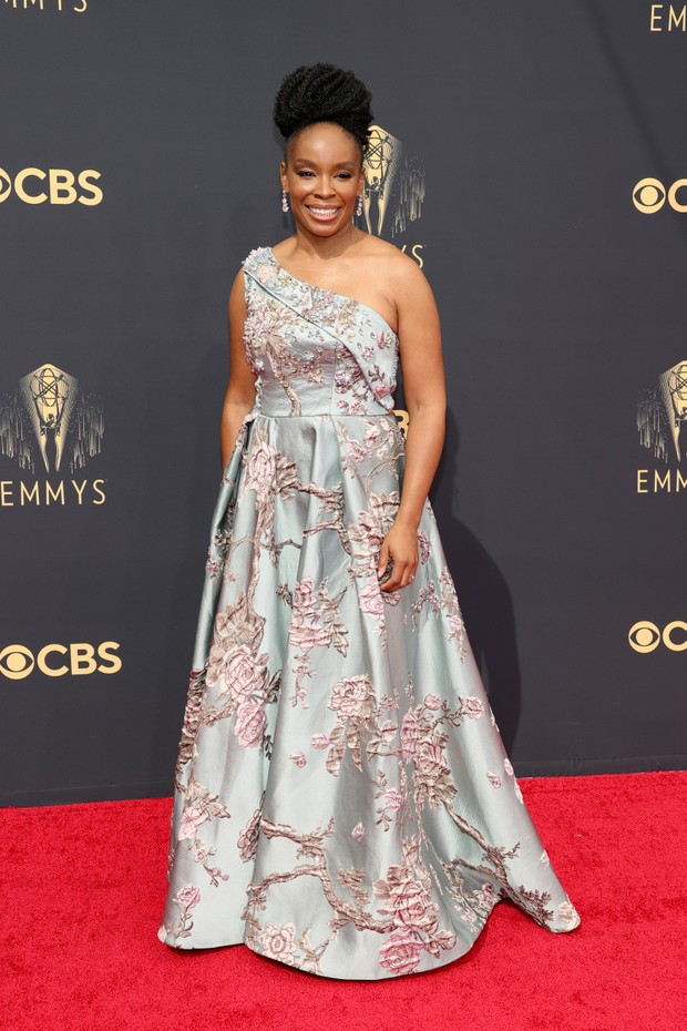 LOS ANGELES, CALIFORNIA - SEPTEMBER 19: Amber Ruffin attends the 73rd Primetime Emmy Awards at L.A. LIVE on September 19, 2021 in Los Angeles, California. (Photo by Rich Fury/Getty Images) (Foto: Getty Images)