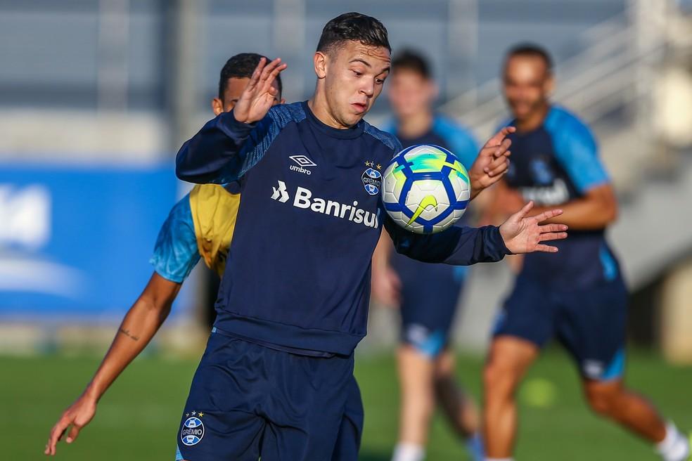 Inscrito recentemente na Libertadores, Pepê deve ser opção no banco de reservas (Foto: Lucas Uebel/Grêmio)
