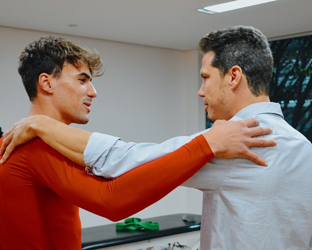 Hernanes e Igor Gomes no CT do São Paulo — Foto: Fellipe Lucena / saopaulofc