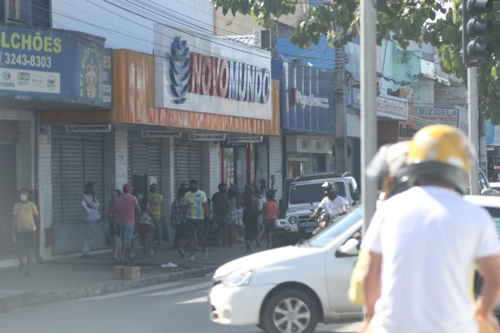 Fluxo de pessoas foi grande no João Paulo nesta segunda-feira (25) — Foto: Adriano Soares/Grupo Mirante