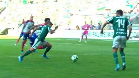 Contra fuso horário e falta de entrosamento, Luiz Adriano causa boa impressão no Palmeiras