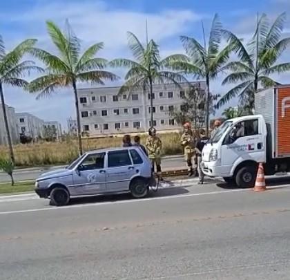 Mulher fica ferida em acidente entre dois carros em Resende