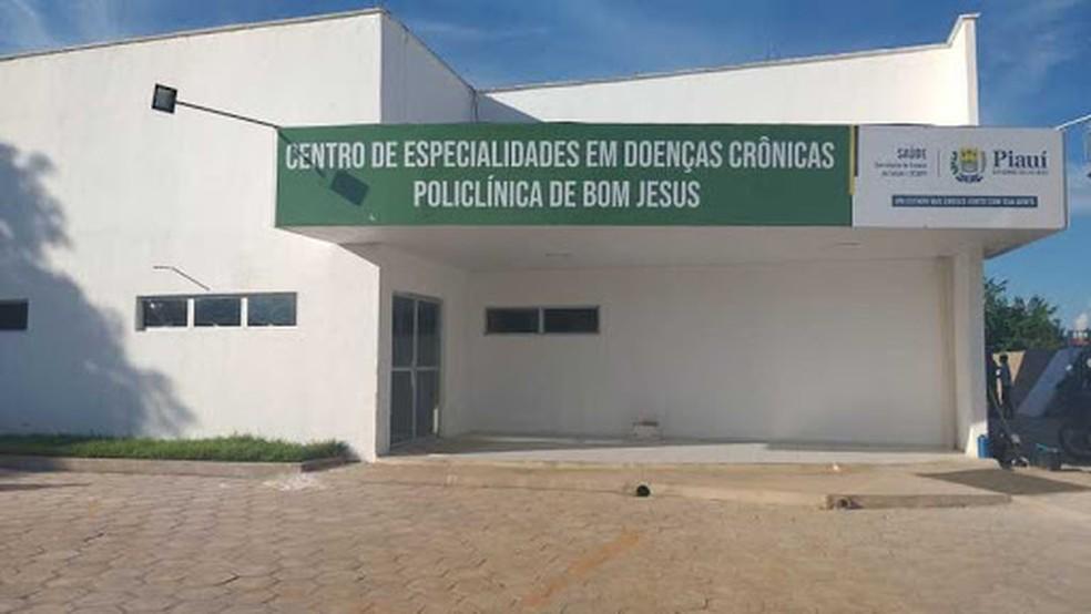 Leitos de UTIs estão sendo instalados no prédio da Policlínica em Bom Jesus, Sul do Piauí — Foto: Divulgação/Sesapi