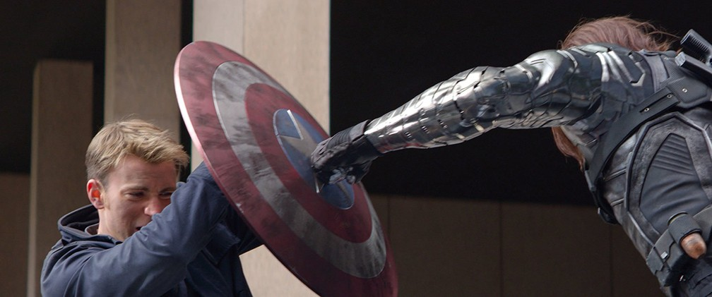 Chris Evans e Sebastian Stan em cena de 'Capitão América 2: O Soldado Invernal' (Foto: Divulgação)
