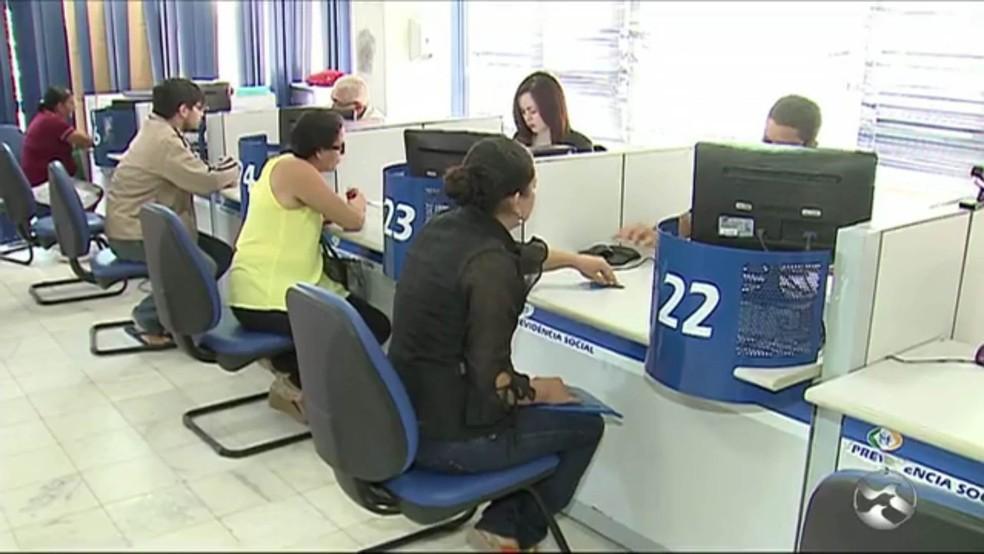 Decisão obriga o INSS a manter um quantitativo de médicos credenciados para diminuir o tempo de espera para realização de perícia  (Foto: Reprodução/TV Asa Branca)