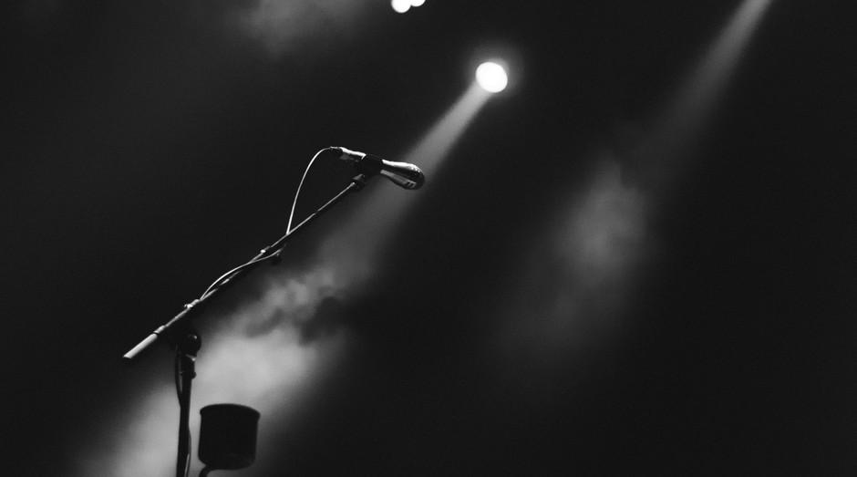 palco, apresentação, palestra, palestrante, pitch, microfone (Foto: Reprodução/Pexels)