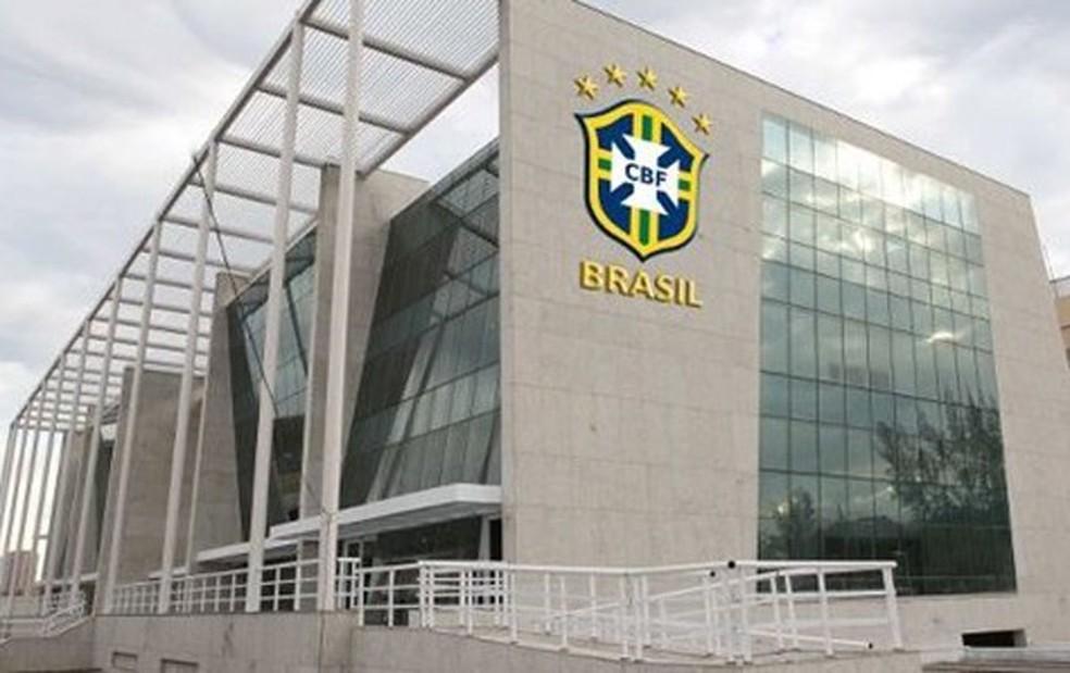 CBF suspendeu todas as competições nacionais em 15 de março — Foto: Globoesporte.com