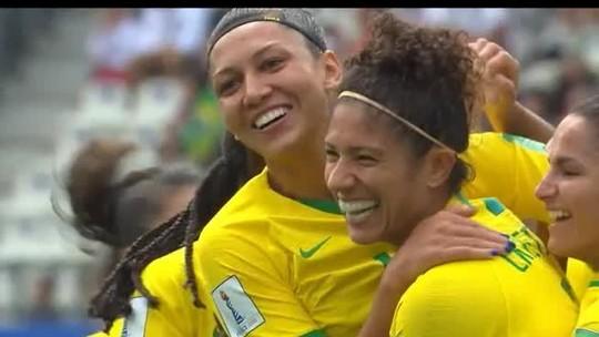 """""""Queremos mais visibilidade e apoio para o futebol feminino"""", pede coletivo de mulheres que reuniu torcedoras em Montes Claros"""