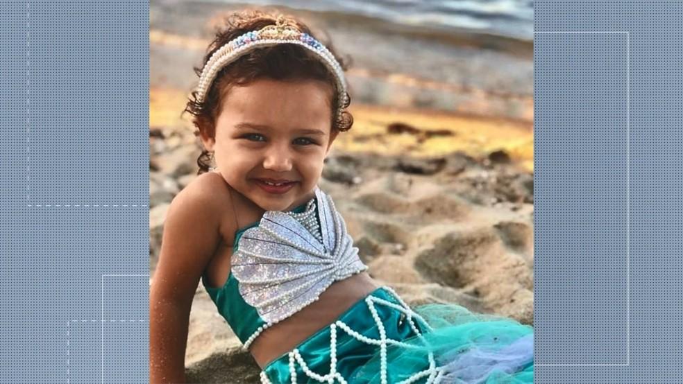 Menina de 3 anos morre baleada no quintal de casa em Vila Velha — Foto: Reprodução/ TV Gazeta