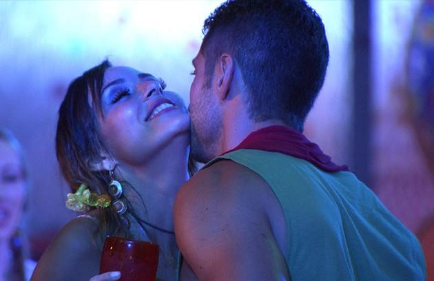 Letícia também beijou Marcelo (Foto: Reprodução)