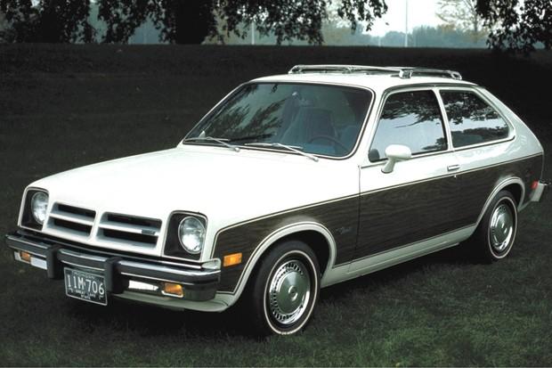 O modelo americano tinha toques típicos, tais com vinil imitando madeira e bagageiro (Foto: Divulgação)