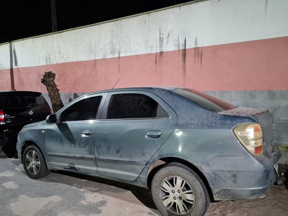 Carro que transportava a droga saiu de Maracanaú com destino ao Centro de Caucaia. — Foto: Rafaela Duarte/ SVM
