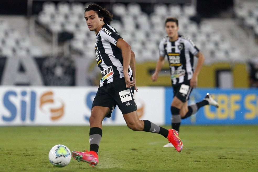 Matheus Nascimento é a grande aposta do Botafogo para o futuro — Foto: Vitor Silva/Botafogo