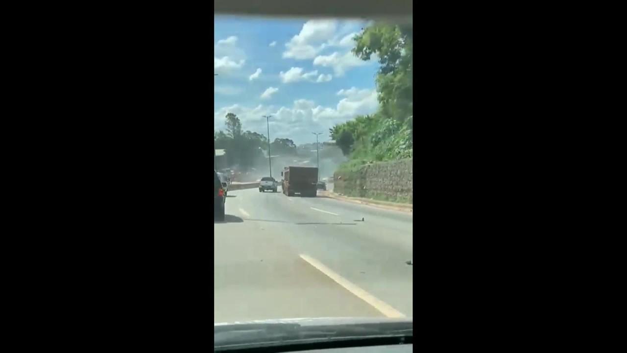 Vídeo registra momentos antes do acidente envolvendo carreta