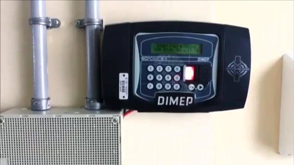 Hospital de Sorocaba utiliza o ponto eletrônico (Foto: Reprodução/TV Globo)