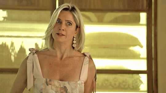 Marilda ameaça bater em Valentina por causa de Eurico