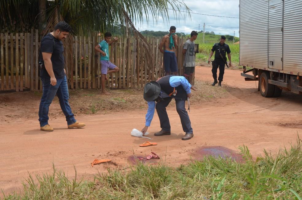 Irmãos morreram na hora em Cacoal (Foto: Magda Oliveira/G1)