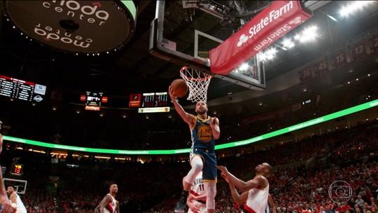 Curry rege varrida histórica, e Warriors são 1º time a ir a cinco finais seguidas desde os anos 1960