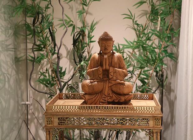 Um dos Budas do espaço zen de Marina Elali (Foto: Reginaldo Teixeira / Ed. Globo)