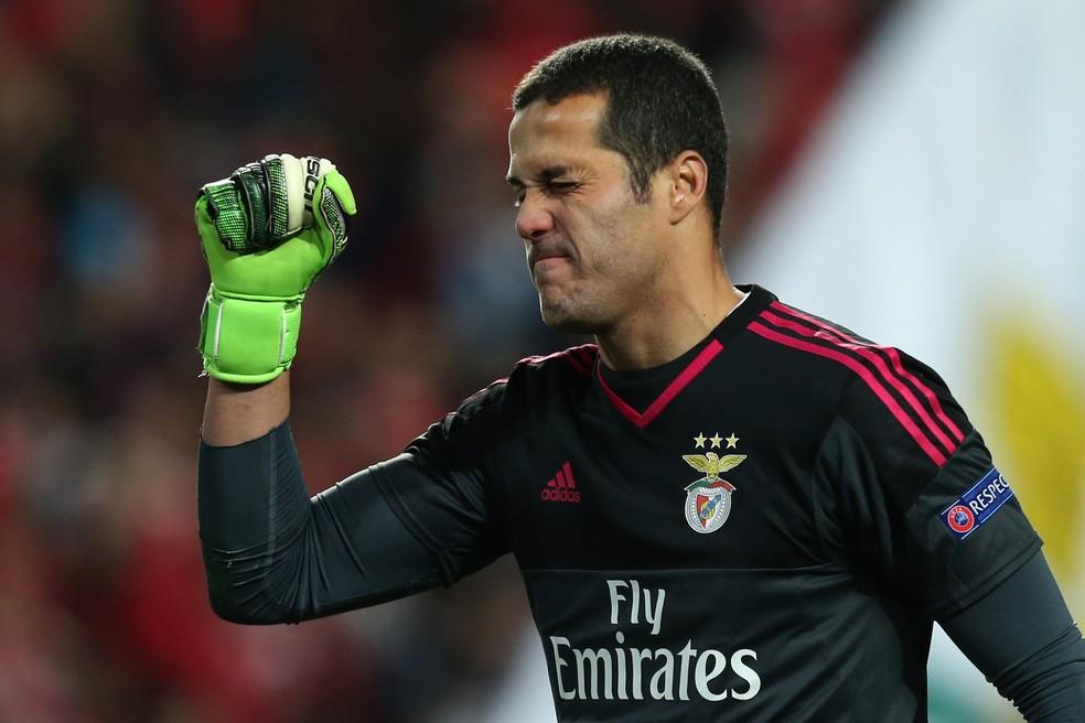 Julio Cesar defendeu o Benfica por quatro temporadas (Foto: /AP)