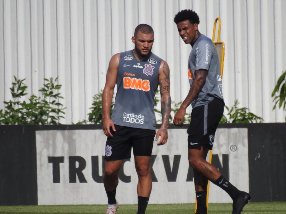 André Luis se reapresentou ao Corinthians na terça-feira — Foto: Marcelo Braga