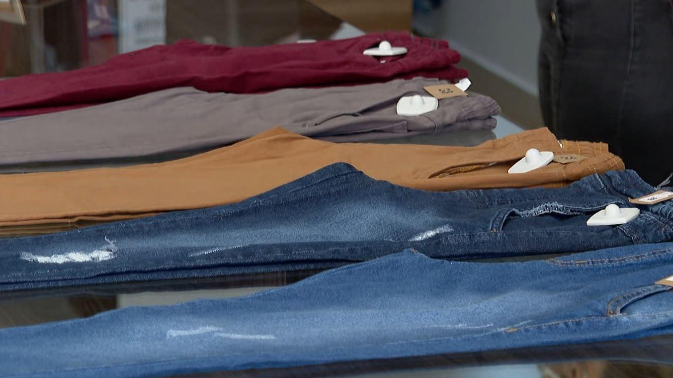 Com diferença de preço de até 50%, roupas estão entre os itens mais procurados no Dia dos Pais em Franca, SP