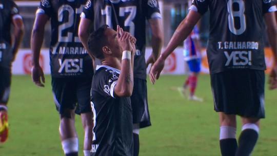 Expulso contra o Vasco, Douglas desfalca o Bahia contra o Flamengo, no sábado