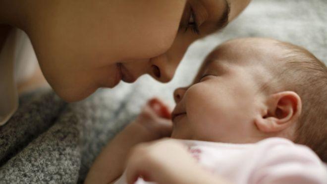 Quase metade dos países no mundo está enfrentando redução da natalidade (Foto: Getty Images via BBC News Brasil)