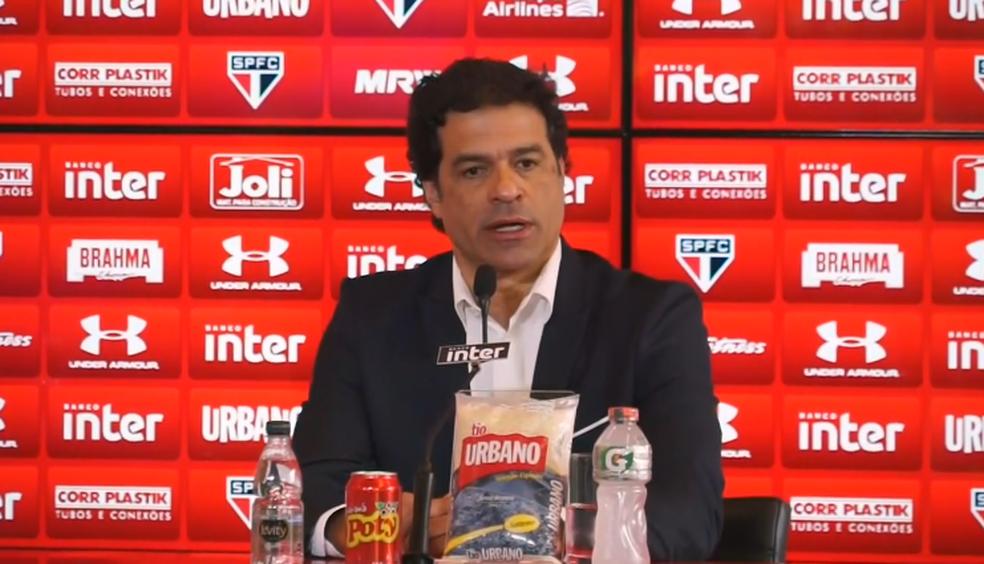Raí é apresentado no São Paulo (Foto: reprodução)