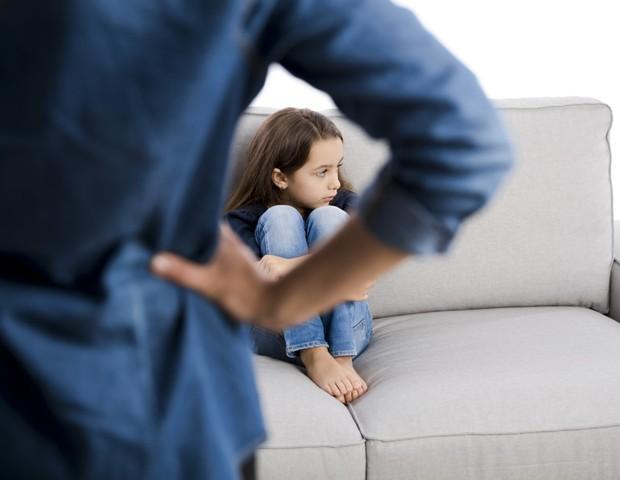 Filhos de pais muito críticos evitam prestar atenção às expressões faciais (Foto: Thinkstock)