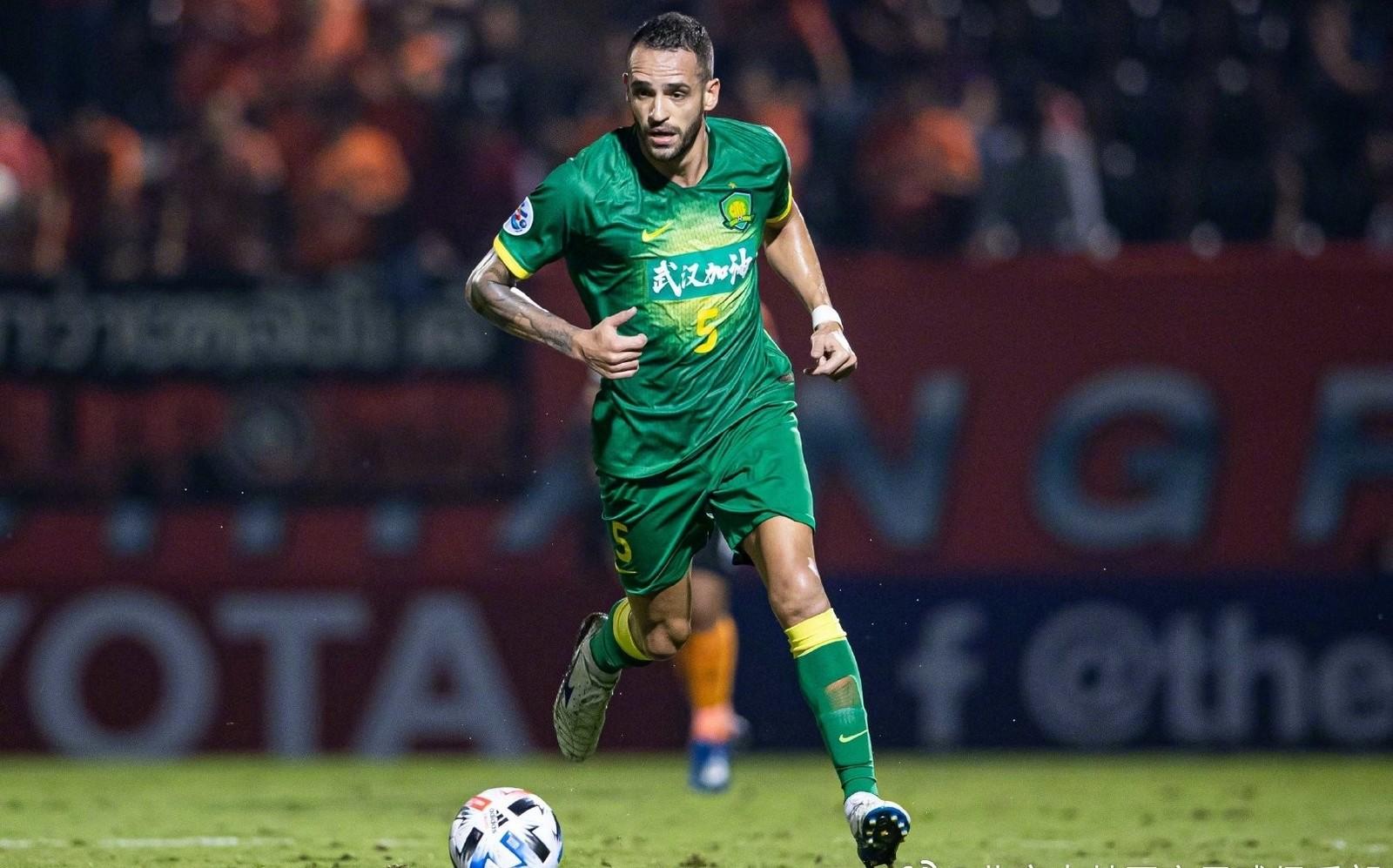 Renato Augusto pode voltar ao Corinthians? Entenda a situação do meia na China