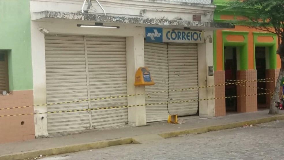 Explosão aconteceu a uma agência dos Correios da cidade de Serra Redonda, na Paraíba — Foto: Reprodução/TV Cabo Branco