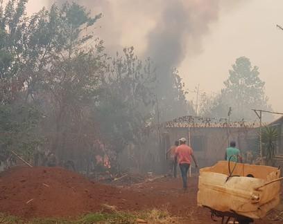 Fogo atinge assentamentos rurais e destrói lavouras no interior paulista