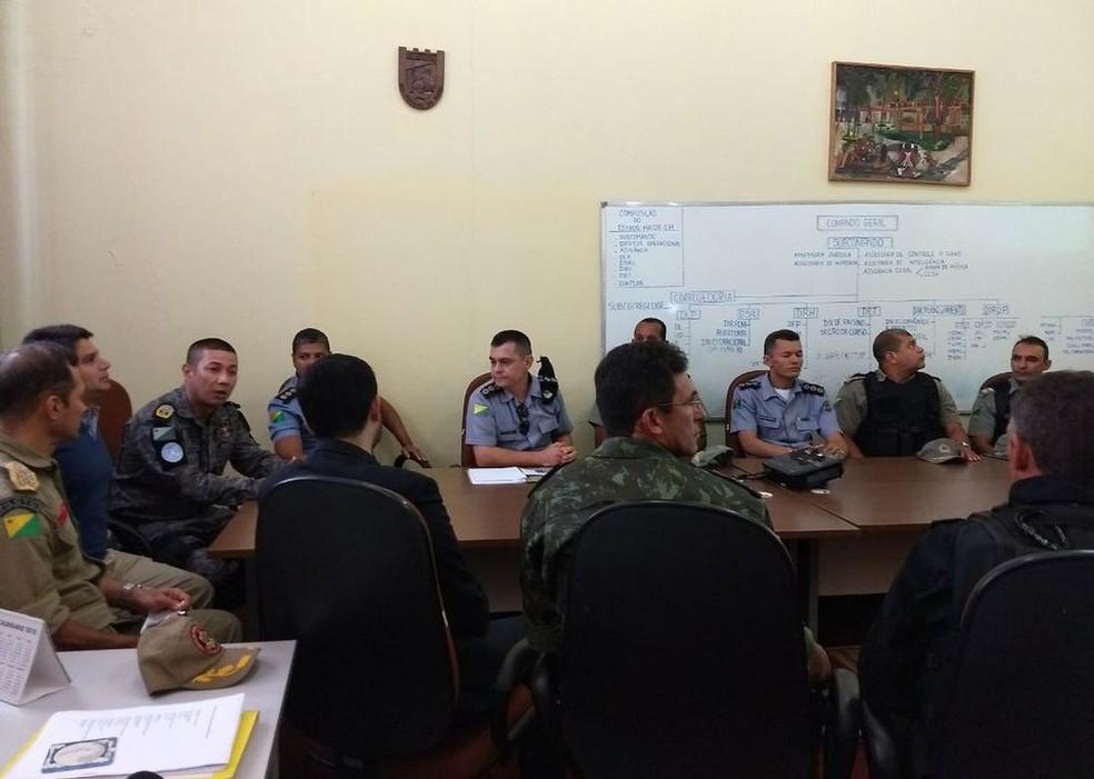 a963fd62cb ... O Exército e Marinha foram solicitados para reforçar a segurança  durante os dias de carnaval em