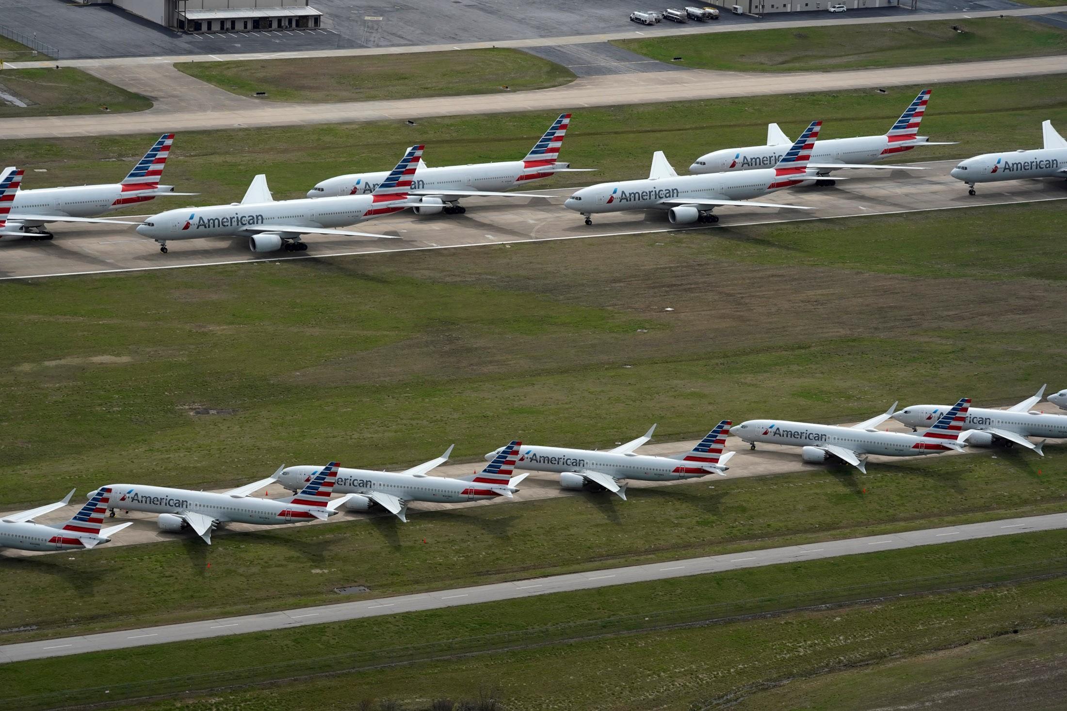 American Airlines e United anunciam mais de 30 mil demissões devido a pandemia