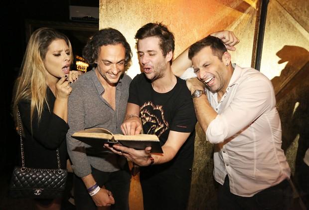 Manu Maya, Andre Sada, Gil Coelho e Henri Castelli (Foto: Angelo Santos)