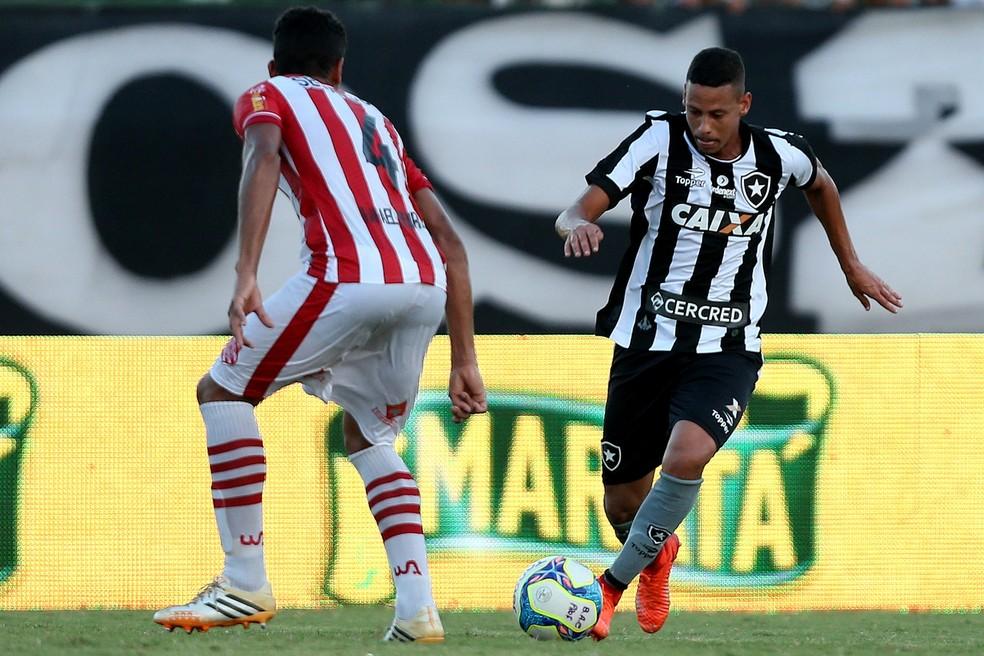 Fernandes em ação pelo Botafogo (Foto: Vitor Silva/SSPress/Botafogo)
