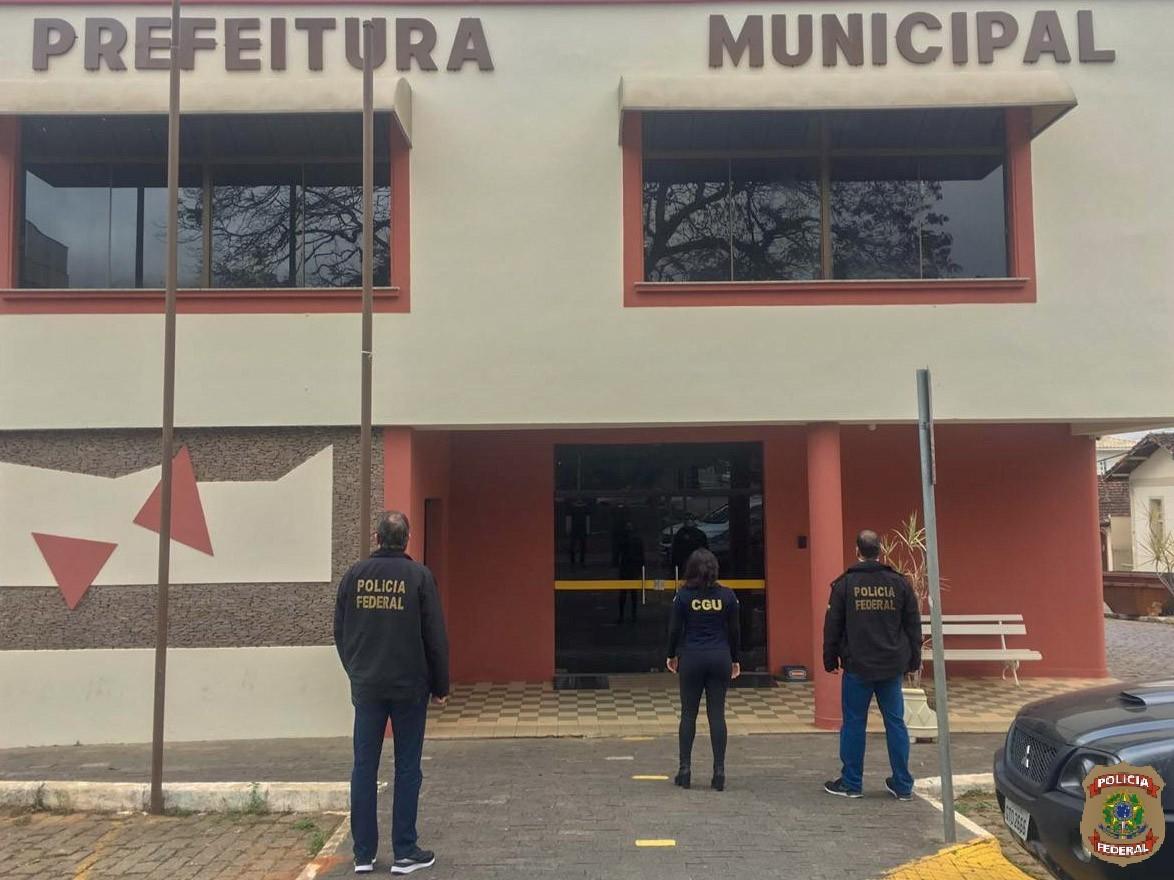 Ex-prefeito de Caldas nega irregularidades com recursos de programa de transporte escolar