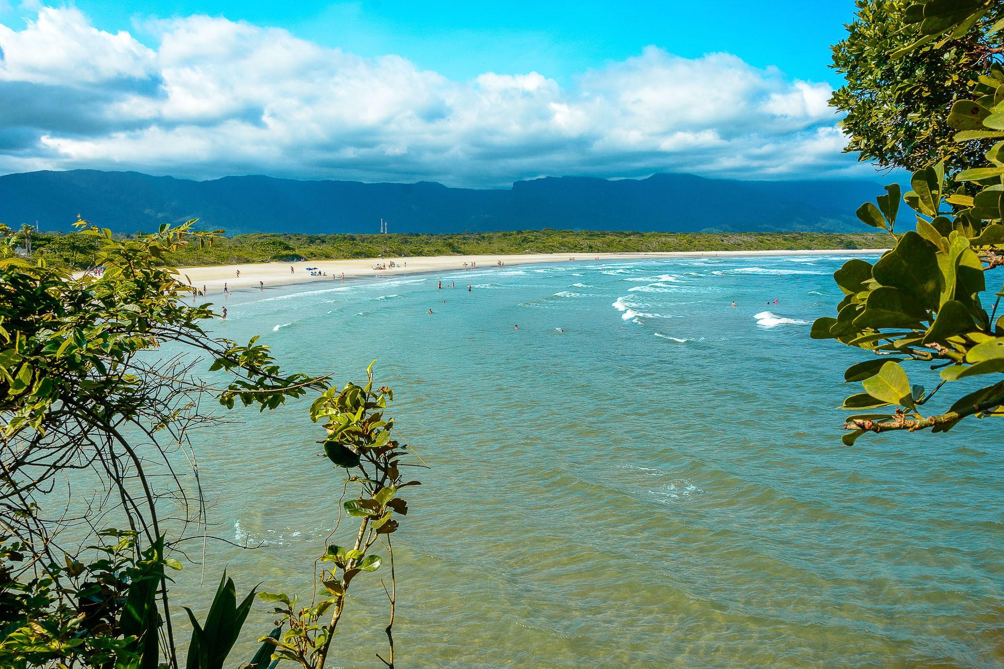 Turista desaparece após entrar no mar sozinho em praia do litoral de SP