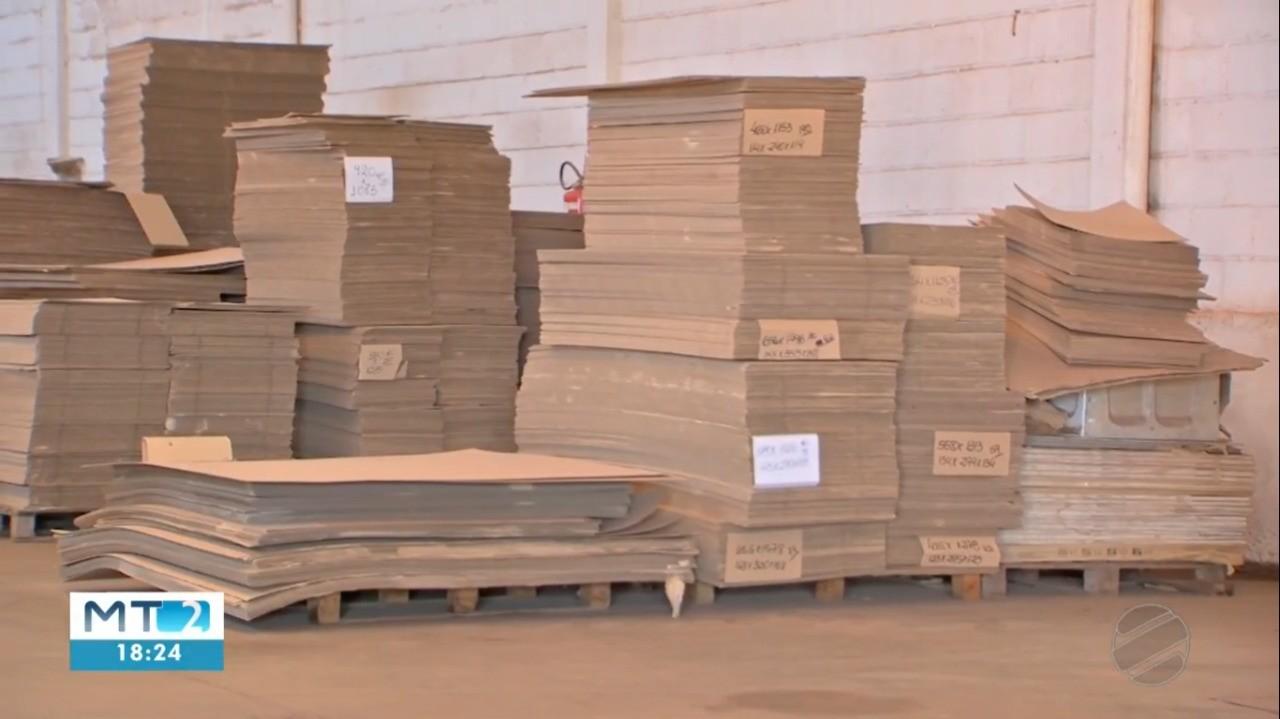 Indústrias enfrentam escassez de papelão, alumínio e vidro durante a pandemia em MT