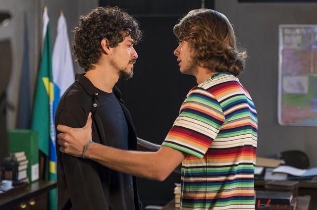 Jerônimo (Jesuíta Barbosa) e João (Rafael Vitti) (Foto: TV Globo)