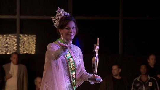 Silvero Pereira, de 'A força do querer', conhece candidatas a Miss Gay Brasil