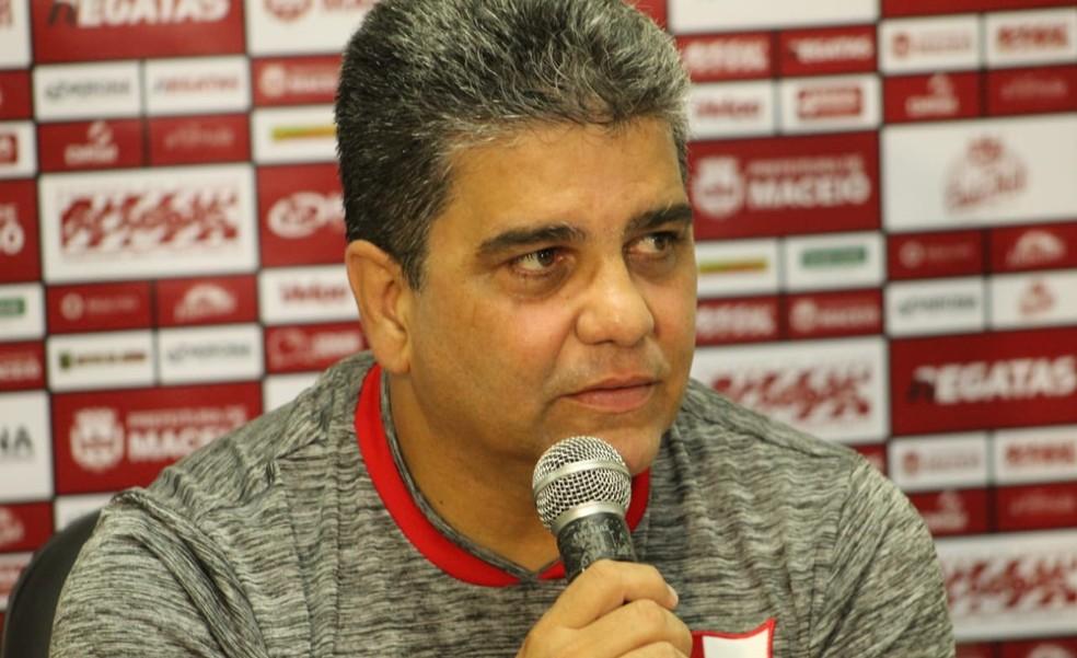 Marcelo Cabo viu CRB superior, mas disse que CSA decidiu no detalhe — Foto: Mac Cavalcante/GloboEsporte.com
