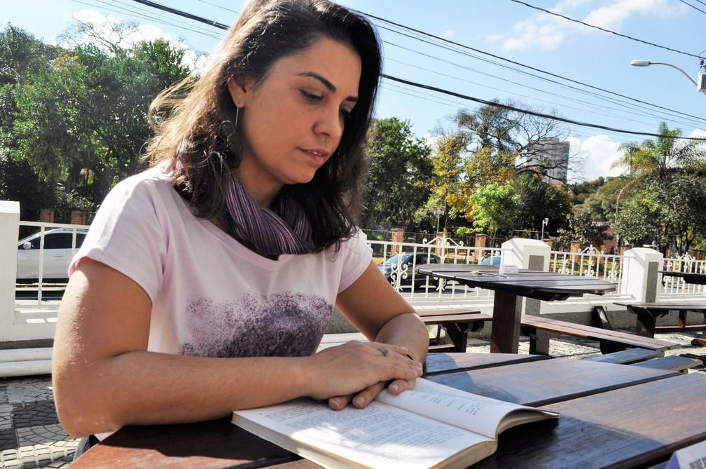 Leila Vilhena é autora do projeto Ocupação Beauvoir (Foto: Camilla Resende/G1)