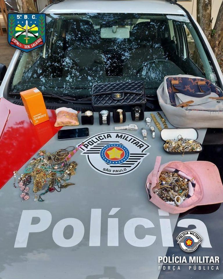 Adolescentes são apreendidos com mais de R$ 200 mil em joias furtadas em Taubaté, SP