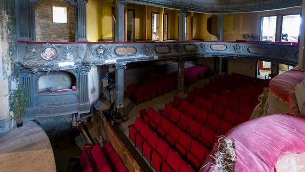 O hoje decadente Theatre des Bleus de Bar, em Bar-le-Duc, será um dos patrimônios recuperados (Foto: BBC)